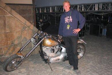 """Mit der Easy Rider Chopper von Peter Maffay. Die Harley Davidson wurde durch den Film """"Easy Rider"""" zum Kult-Bike."""