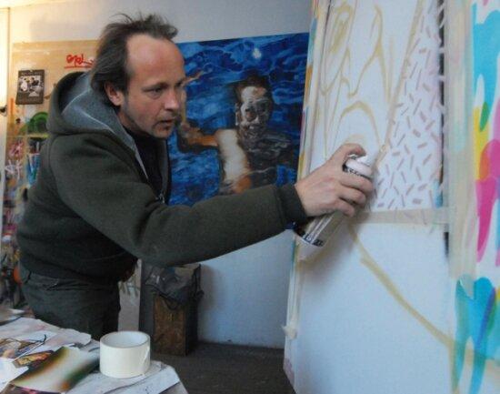 """<p class=""""artikelinhalt"""">Jens Tasso Jens Mülle, Graffitikünstler aus Meerane, bereits seine Ausstellung in der Glauchauer Galerie Art Gluchowe vor. </p>"""