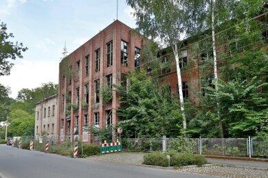 Baumeister Reinhold-Ulrich hat diesen Klinkerbau im Reformstil an der Wilhelmstraße in Glauchau einst entworfen. Jetzt soll er mit allen anderen Gebäuden verschwinden.