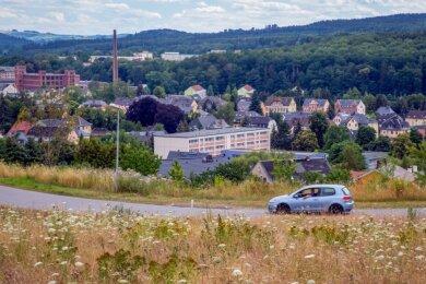 Das ist die Aussicht der künftigen Bauherren in Flöha. Der Blick geht über die Dr.-Lothar-Kreyssig-Straße hinweg in Richtung Struthwald. Die Erschließung des Baugebietes könnte nun wirklich dieses Jahr beginnen.