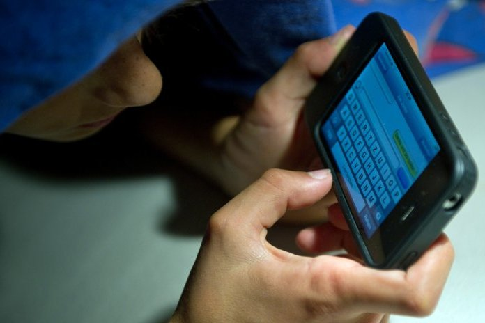 Britischer Wissenschaftler warnt: Smartphones machen kurzsichtig
