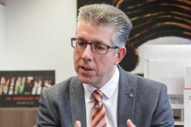 Ralph Burghart ist seit dem 1. November 2018 Bürgermeister für Bildung, Soziales, Jugend, Kultur und Sport. Er verantwortet auch die Organisation der Kinderbetreuung in Chemnitz.