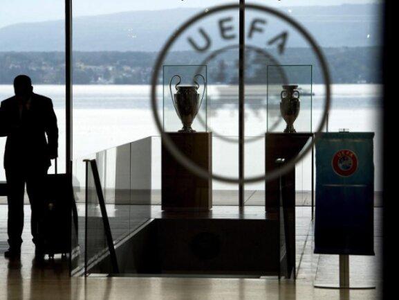 Die UEFA führt ab 2021 einen dritten europäischen Pokal-Wettbewerb ein.