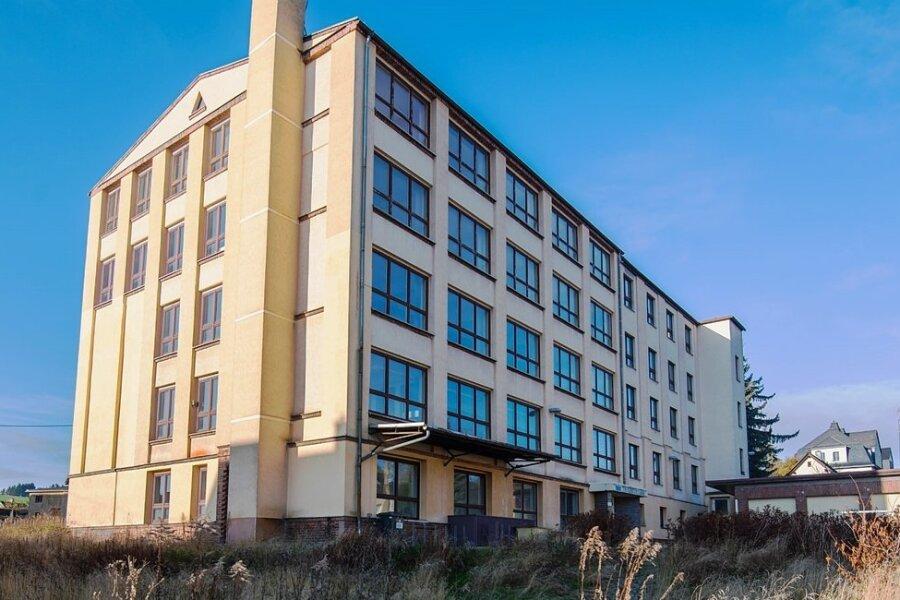 Das ehemalige Berufsbildungszentrum in Thalheim. Die Stadträte haben den geplanten Um- und Ausbau nun zu den Akten gelegt. Zu teuer, zu wenig Nutzungsmöglichkeiten.