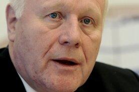 Sachsens Ex-Regierungschef Georg Milbradt (CDU) geht hart mit der Europäischen Union ins Gericht.