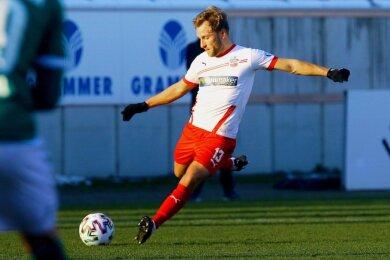 Ist nicht nur als fleißiger Arbeiter im Mittelfeld (hier im Heimspiel gegen den VfB Lübeck) ein wichtiger Teamplayer beim FSV Zwickau, sondern auch mit seiner Einstellung: Mike Könnecke.