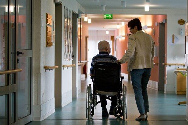 Sachsens Pflegeheime haben Preise deutlich angehoben