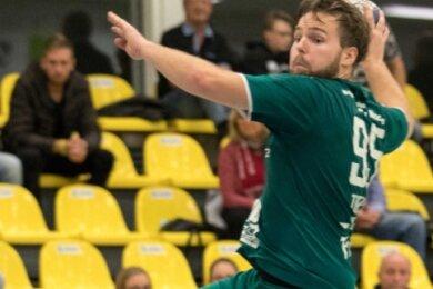 Handballgott: Jens Tieken traf am Sonnabend gegen Bad Blankenburg viermal und wurde vom Fanclub zu einem selbigen erhoben.
