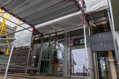 Die Tagespflege im Rochlitzer Generationenbahnhof öffnet nach coronabedingter Pause wieder für ihre Gäste. Doch weil Dacharbeiten am Gebäudeanstehen, muss sie demnächst vorübergehend ausziehen.