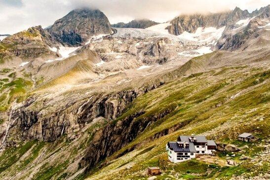 Die 2364 Meter über dem Meeresspiegel gelegene Plauener Hütte in den Zillertaler Alpen.