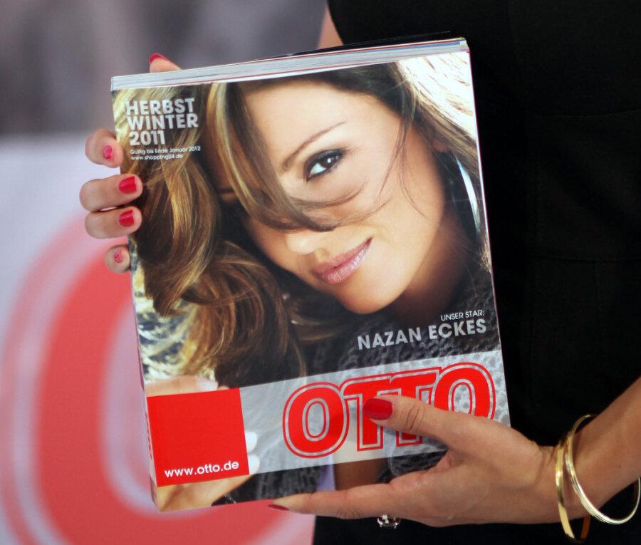 Die Moderatorin Nazan Eckes präsentierte in Hamburg den Otto-Katalog Herbst/Winter 2011.