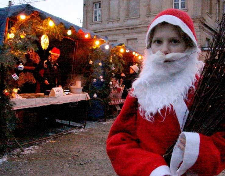 "<p class=""artikelinhalt"">Moritz Löhmer (10) fand seine Rolle als Langenhessener Weihnachtsmann ""echt cool"".</p>"
