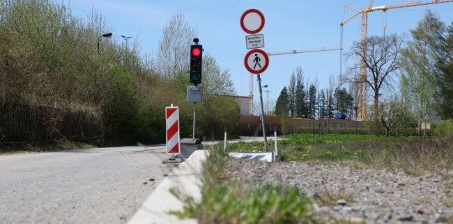 Die Zufahrt zur künftigen JVA in Zwickau-Marienthal.