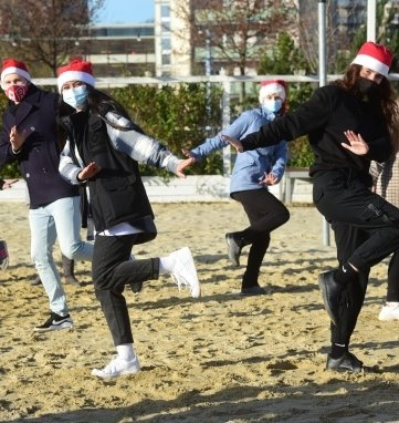 Im Dezember 2020 am Uferstrand (Foto), nun per Internet-Show: Tanzschulen machen auf ihre Lage aufmerksam.