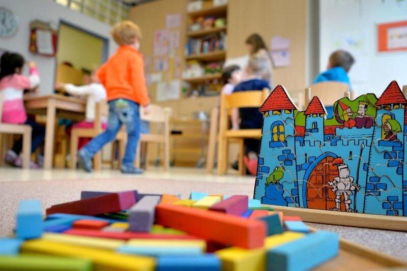 Corona im Kreis Zwickau: Für Schulen und Kitas könnte es am Montag wieder losgehen