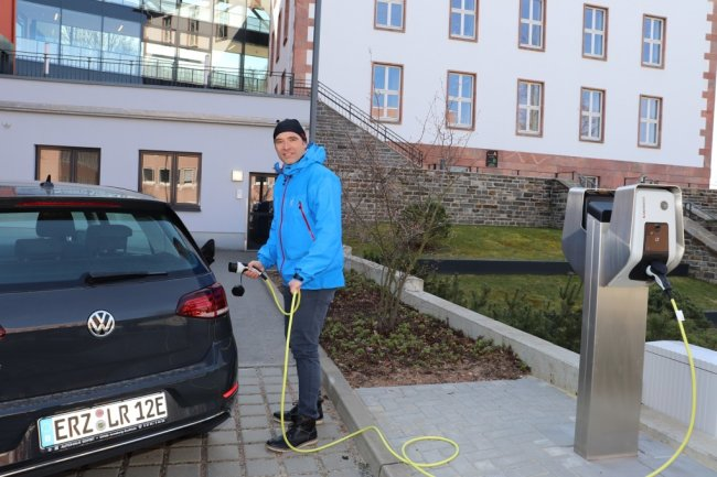 Jens-Uwe Seemann ist Ansprechpartner im Landratsamt Erzgebirgskreis in Sachen Elektrofahrzeuge.