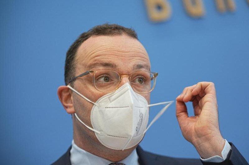 Jens Spahn (CDU), Bundesminister für Gesundheit, nimmt an einer Pressekonferenz zu Grippeimpfung und Corona teil. (Archivbild).