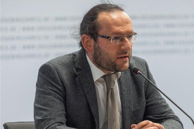 Amtsarzt Sandro Müller war bisher unter anderem als Notarzt auf dem Rettungshubschrauber Christoph 46 im Einsatz.