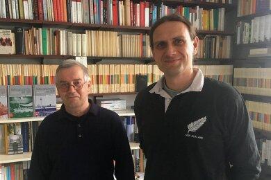 """Die Wissenschaftler und DDR-Kenner Prof. Dr. Gerd Dietrich und Dr. Maik Weichert (von links) sind die Gesprächspartner der neuen FP-Podcast-Reihe """"Geteilte Ansichten - Die DDR in Deutschland""""."""