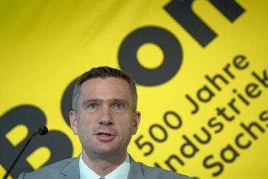 Sachsens Wirtschaftsminister Martin Dulig (SPD) hat im Dezember 2020 angekündigt, dass ein Fachkräftezentrum mit landesweiten Kompetenzen und knapp 30 Mitarbeitern in Chemnitz angesiedelt werden soll. Es soll seine Arbeit noch in diesem Jahr aufnehmen. Derzeit läuft die Standortsuche.