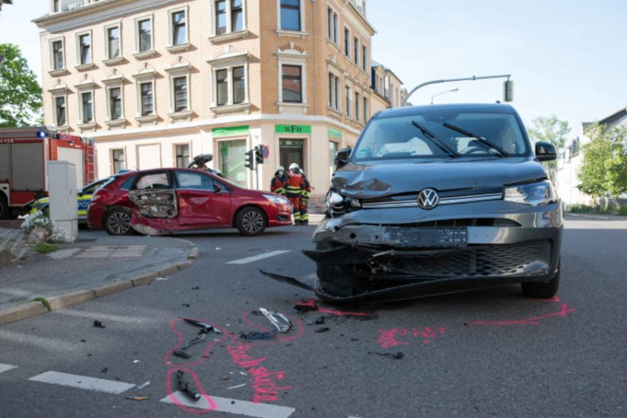 Zwei Verletzte bei Unfall in Freiberg