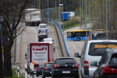 Am Überflieger bzw. an der Neefestraße ist am Südring Schluss. Geht es nach den Verkehrsexperten des Rathauses, soll das auch so bleiben.