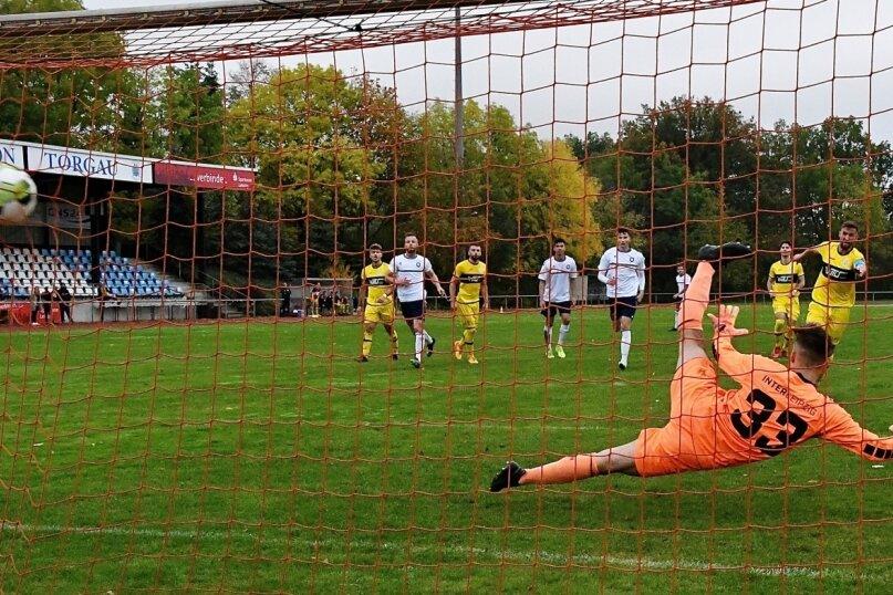 Kapitän Marian Albustin traf zweimal vom Elfmeterpunkt und sorgte damit für den 2:1-Auswärtssieg des VFC Plauen.