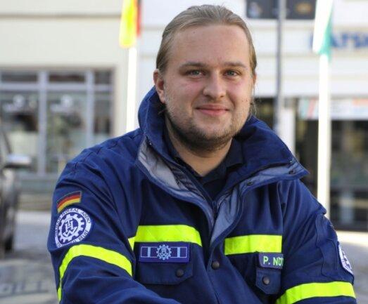 Patrick Nötzold am Marktbrunnen in Glauchau. Er wohnt seit zwei Jahren im Stadtzentrum.