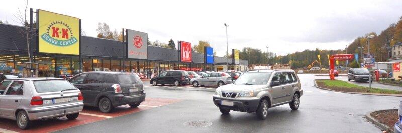 """<p class=""""artikelinhalt"""">Mit Argwohn sehen Auerbachs Innenstadthändler, was sich im Ortsteil Mühlgrün entwickelt. Dort entstand ein Einkaufszentrum. Was geschieht mit der Fläche, wo die ehemalige Malitex abgerissen wurde? Die Händler sind skeptisch. </p>"""
