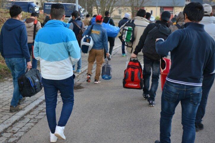 Die in Wiederau untergebrachten Asylsuchenden sollten 2016 nach Rossau umziehen. Viele ehrenamtliche Helfer im Dorf setzten sich dafür ein, dass sie bleiben durften - mit Erfolg.