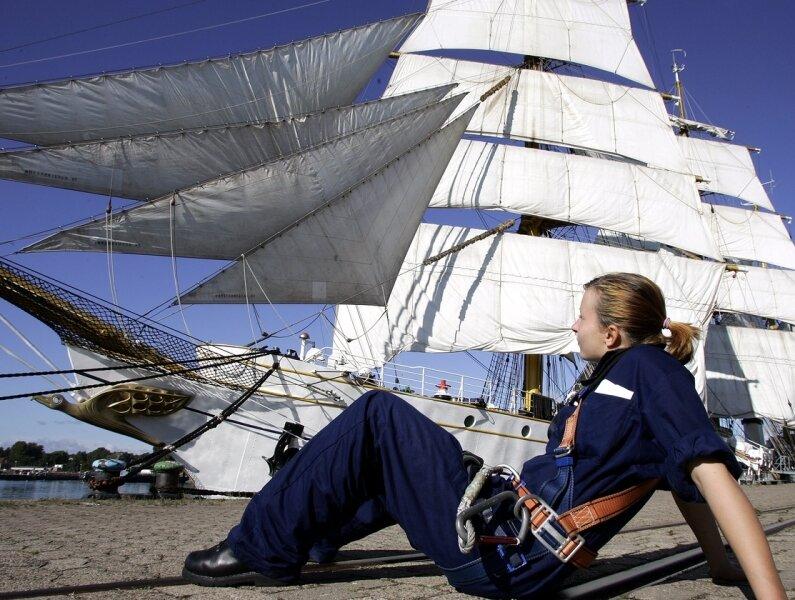"""<p class=""""artikelinhalt"""">Die Rodersdorferin Tanja Merkl (Foto) war auch auf dem Mast, von dem im November eine Kadettin gestürzt war. Ein falscher Griff kann tödlich sein, sagt sie.</p>"""