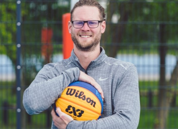 Tobias Georgi hat in seiner Jugend für die Niners gespielt. Jetzt will er als Landestrainer die Variante 3x3-Basketball bekannter machen.
