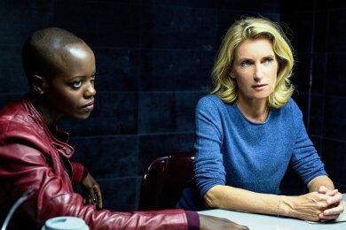 Ermitteln in der rechten Szene: Anaïs Schmitz (Florence Kasumba, links) und Charlotte Lindholm (Maria Furtwängler).