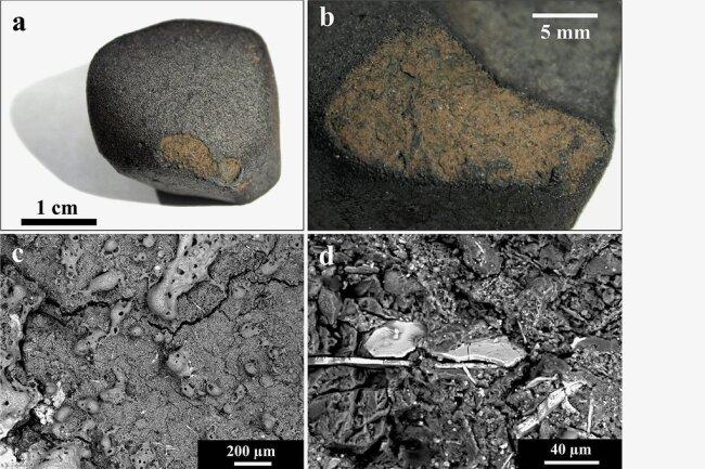 Beim Flug durch die Erdatmosphäre bildete sich die dunkle Kruste auf dem oben gezeigten Flensburg-Meteoriten, ein abgesprungenes Teil zeigt das Innere des kohlenstoffhaltigen Gesteins. Die weißlichen Sulfid-Plättchen auf dem Bild rechts unten entstanden ähnlich wie die grauen Karbonatmineralien in Wasser.