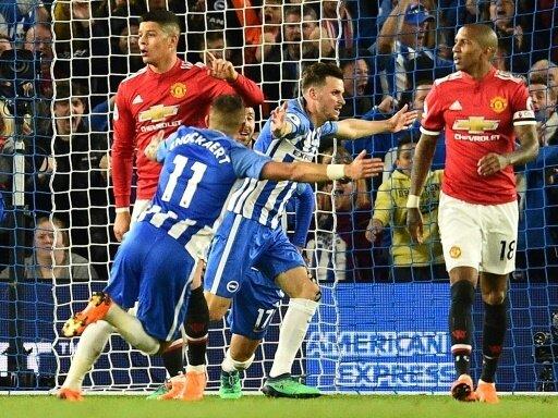 Pascal Groß (M.) schockt Manchester United