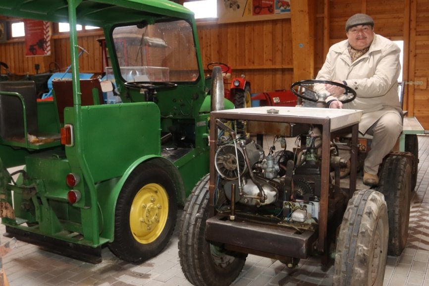 Neue Traktoren der Marke Eigenbau