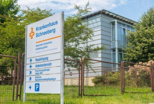 Blick auf das Bergarbeiter-Krankenhaus in Schneeberg.
