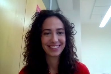 Andrea García Molero hilft, den Schülern des Cottagymnasiums Spanien ein bisschen näher zu bringen - trotz Reisebeschränkungen.