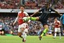Mesut Özil kassiert zum Auftakt eine Niederlage