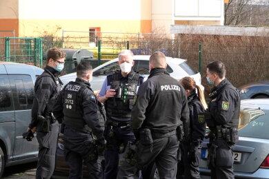 Am Freitagmorgen ist im Stadtteil Markersdorf eine leblose Frau (89) gefunden worden.