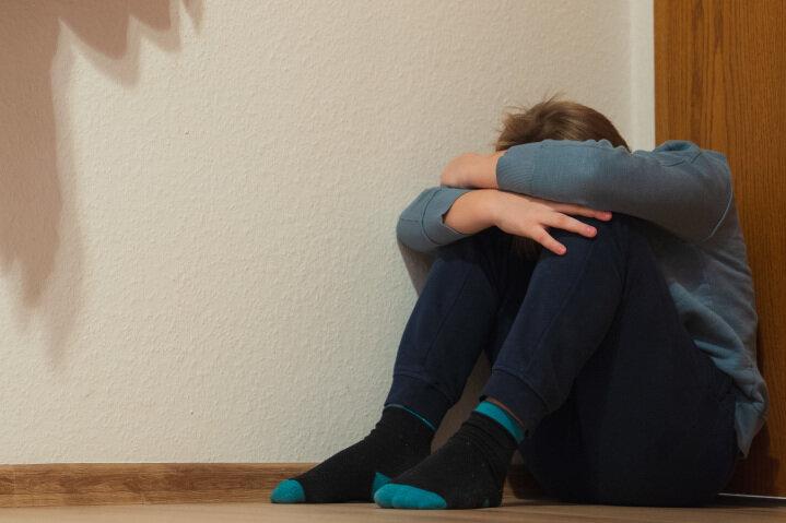 Es ist schwierig, zu erkennen, wenn Kindern zu Hause Gewalt widerfährt. Denn viele Opfer schweigen aus Angst oder Scham.