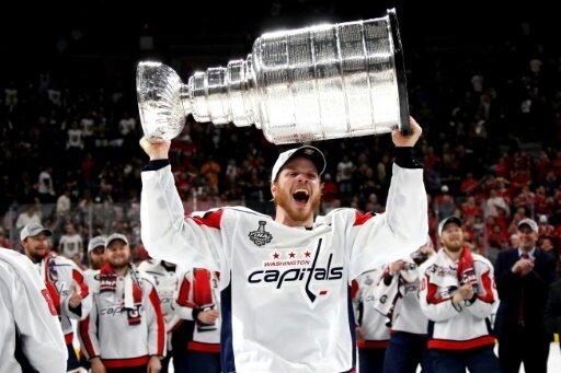 Carlson verlängert beim Stanley-Cup-Sieger Washington