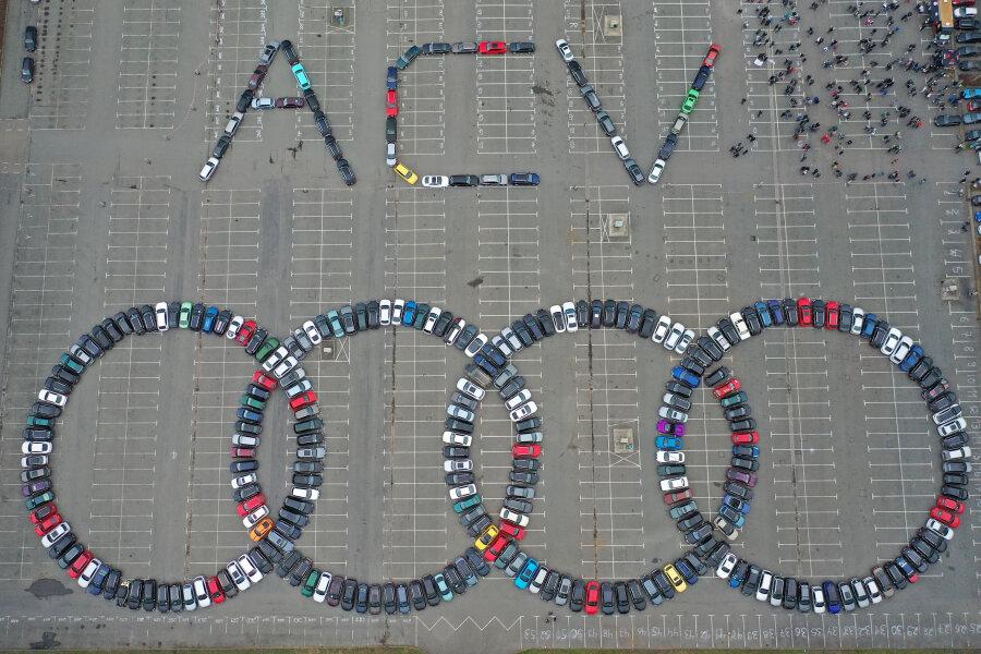 Audi-Fans knacken in Zwickau und am Sachsenring zwei Weltrekorde