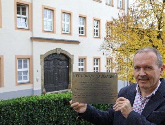 Mario Müller, Fraktionschef der FDP in Lichtenstein, ist am Ziel: Die Naumann-Tafel könnte bald wieder für alle sichtbar sein.