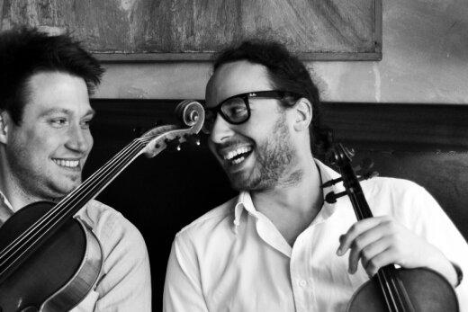 Reisen als Duo del Gesú an: der französische Geiger Arnaud Kaminski (rechts) und der polnische Bratschist Krzysztof Tymendorf.
