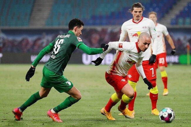 Angeliño, der im Sommer fest zu den Leipzigern wechselt, lässt Ruben Vargas aussteigen.