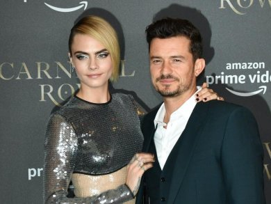 "Orlando Bloom und Cara Delevingne bei der Premiere der Amazon-Serie ""Carnival Row"" in Berlin."