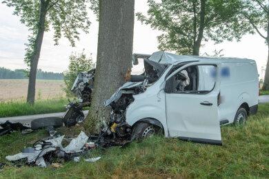 Ein tödlicher Unfall hat sich am Montagmorgen zwischen Zwönitz und Dittersdorf ereignet.