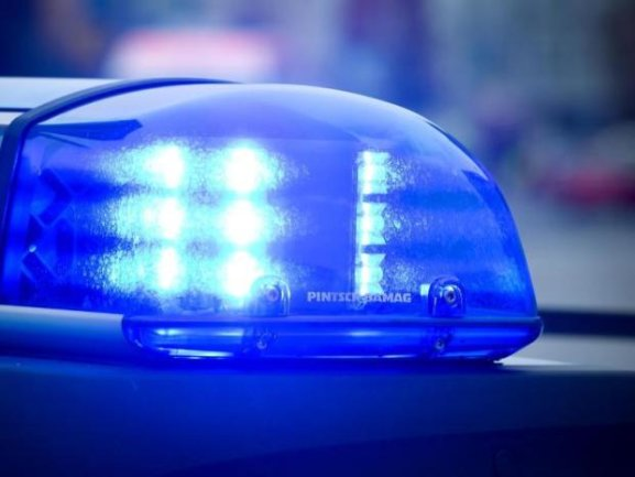 Die Polizei sucht nun nach Hinweisen zum Täter.