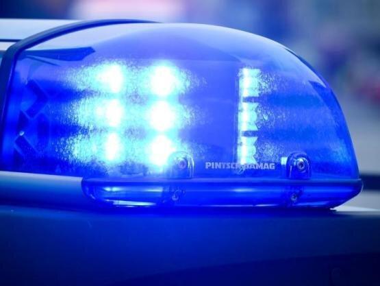 Sexualstraftat: Männer folgen 28-Jähriger bis in die Wohnung